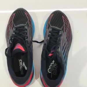 Brooks transcend running sneakers